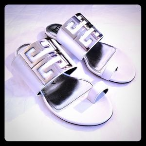 Givenchy 4G Toe Ring Leather Sandals - NWOB